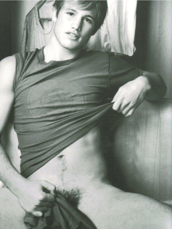 julien hans naked
