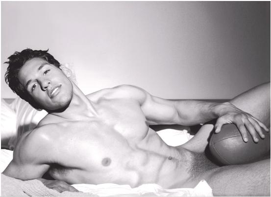 Julien-Arias naked
